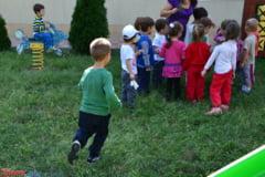 Copiii de la gradinita si scoala primara intra de luni in vacanta