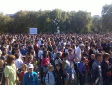 Copiii din Petrosani au inceput scoala...in parc