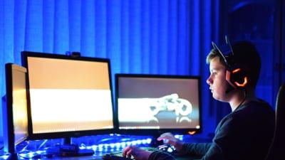 Copiii se informeaza de pe internet, insa jumatate dintre ei nu verifica informatiile aparute online