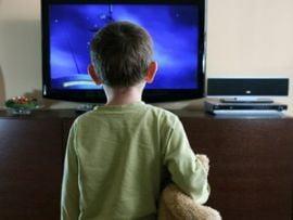 Copiii sub 2 ani care se uita la televizor au probleme de dezvoltare intelectuala