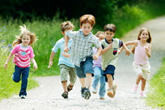 Copiii trebuie sa faca mai multa miscare dupa inceperea scolii