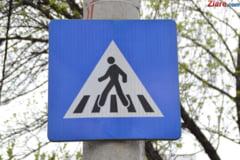 Copil lovit de ambulanta pe trecerea de pietoni, in Bucuresti