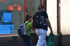 Copilul tau este victima a abuzului la scoala - Ce trebuie sa faci si ce risca profesorii vinovati