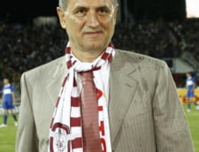 Copos: Cornel Dinu si Gigi Becali sunt bufonii fotbalului romanesc