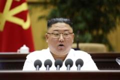 """Coreea de Nord, pandita de o foamete cumplita: un kilogram de banane a ajuns la 45 de dolari. Motivul pentru care """"fratele"""" chinez a redus drastic exportul de alimente"""