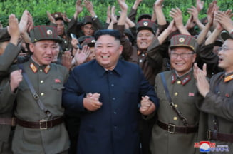 Coreea de Nord a testat un lansator multiplu de rachete. Kim Jong Un a fost personal pe teren