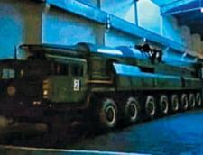 Coreea de Nord isi face lansatoare de rachete din camioane chinezesti