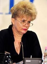 Corina Dumitrescu a mintit din nou. Nu putea face cursuri la Hoover, cel mult l-a vizitat