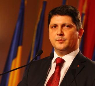 """Corlatean acuza """"cartite"""", care vor sa puna cap in cap Ministerul Justitiei cu ANI si DNA"""