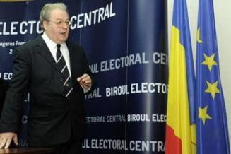 Corneliu Vadim Tudor, inmormantat cu onoruri militare