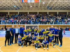 Corona Brasov s-a calificat dramatic in grupele Cupei EHF