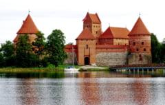 Coronavirusul si inegalitatile sociale, pe agenda primului tur al alegerilor parlamentare din Lituania. Niciun partid nu pune sub semnul intrebarii apartenenta la UE si NATO