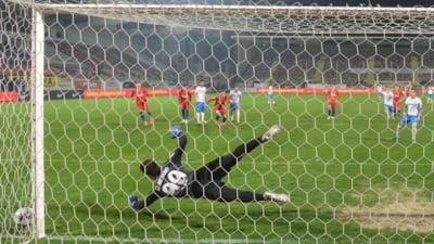 Coruptie in fotbalul romanesc. Trei persoane trimise in judecata pentru mituirea unui arbitru si a unor adversari. Printre ei, un fost fotbalist de la Dinamo
