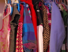 Cosmarul oricarei femei: Doua dive, imbracate aproape identic la o petrecere de fite (Foto)