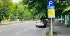 """Cosmarul turistilor la Mamaia: """"Imi pun alarma din 3 in 3 ore ca sa platesc parcarea"""". Ce tarife sufocante a impus primaria"""