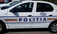 Craiova: Un baiat de 17 ani conducea fara permis o masina furata. A fost oprit cu focuri de arma