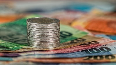 Creștere bruscă a dobânzilor pe termen lung în România. Care este clasamentul dobânzilor în UE