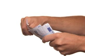 Credit bancar versus credit IFN. Cum afli care dintre cele doua este mai avantajos pentru tine