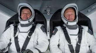 Crew Dragon, capsula SpaceX cu doi astronauti americani la bord, a aterizat duminica in Golful Mexic