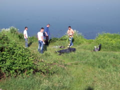 Crima, accident sau sinucidere? Descoperire macabra in raul Timis