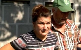 Crimele de la Caracal: Familia Luizei Melencu protesteaza in fata sediului DIICOT
