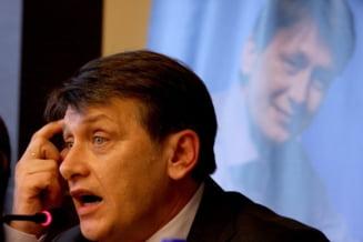 Crin Antonescu: Atata vreme cat suntem preocuparea domnului Lazaroiu, nu stam rau