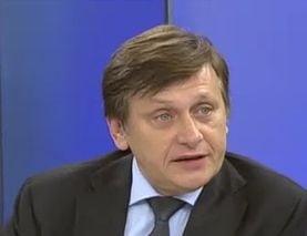 Crin Antonescu: Avem un singur glont, vom depune motiunea in toamna