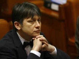 Crin Antonescu: Basescu, un presedinte penal si penibil