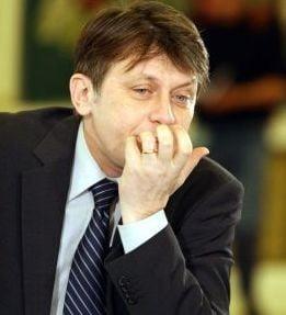 Crin Antonescu: Basescu nu are niciun Dumnezeu