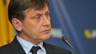Crin Antonescu: Chiuariu ramane in PNL