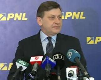 Crin Antonescu: Europarlamentarii PNL vor adera la Partidul Popular European