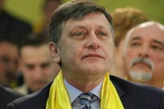 Crin Antonescu: Gorghiu si Blaga si-au facut treaba. La PNL nu sunt de vina cantaretii, melodia e problema (Video)