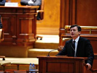 Crin Antonescu: Guvernul Boc este chintesenta viciilor romanesti