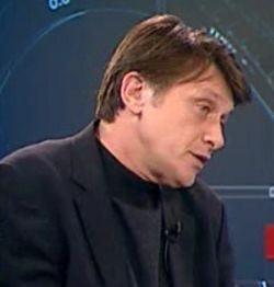 Crin Antonescu: Majoritatea PSD-PD-L nu este solida, ci doar obeza