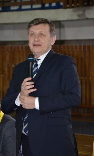 Crin Antonescu: PSD nu ademeneste primarii liberali, ii haituieste