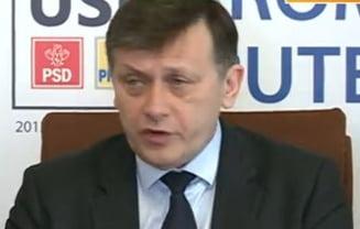 Crin Antonescu: Statutul parlamentarilor va fi modificat in acord cu decizia CCR