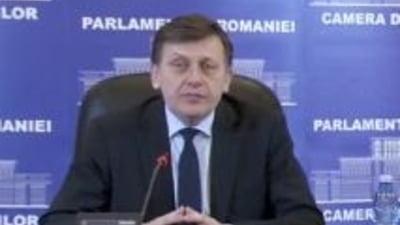 Crin Antonescu, calmat in timp ce se rastea la jurnalisti: Sunt de la Antena 3