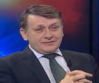 Crin Antonescu, despre pactul Ponta-Basescu: Un document hazliu