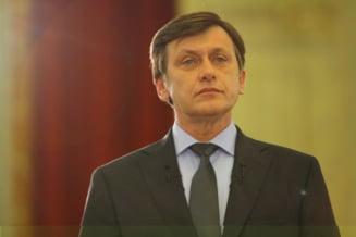 Crin Antonescu ameninta cu demisia din PNL?