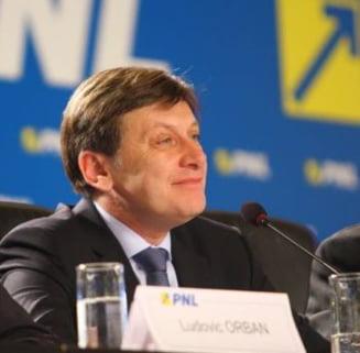 Crin Antonescu este noul presedinte al PNL (Video)