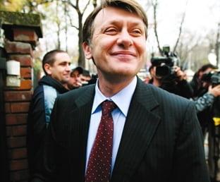 Crin Antonescu isi lanseaza oficial candidatura la prezidentiale pe 9 mai