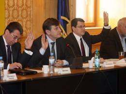 Crin Antonescu l-a decapitat pe Andrei Chiliman. Eugen Nicolaescu, sef interimar al PNL Bucuresti