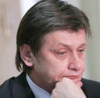 Crin Antonescu nu mai intra in turul doi al prezidentialelor, dupa ruperea USL - Sondaj CSCI