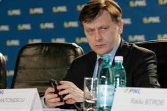 Crin Antonescu scade dramatic in preferintele alegatorilor - sondaj IRES