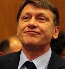 Crin Antonescu se vrea presedinte... (Opinii)