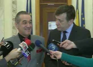 Crin Antonescu vrea bani de la Becali: Pomana curata, ii cerem sa ne sponsorizeze