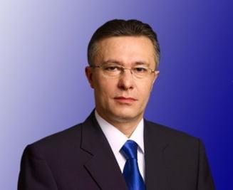 Cristi Diaconescu acuza abandonul Schengen. Corina Cretu il face si pe el responsabil