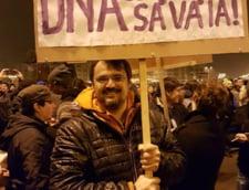 Cristian Ghinea: Romania redevine sat fara caini. Doar firmele lor castiga, exact ca pe vremuri