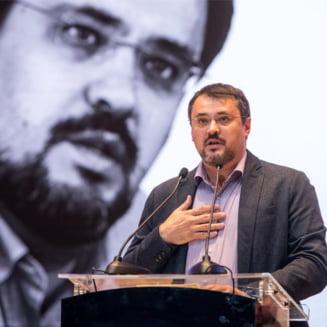 """Cristian Ghinea, reactie cu cifre dupa ce a fost numit """"ministrul zero"""" de catre PSD"""