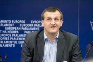 Cristian Preda: Penalii din Guvern sa defileze cu pumnul strans prin capitalele europene